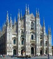 Gran tour of Milan in the morning