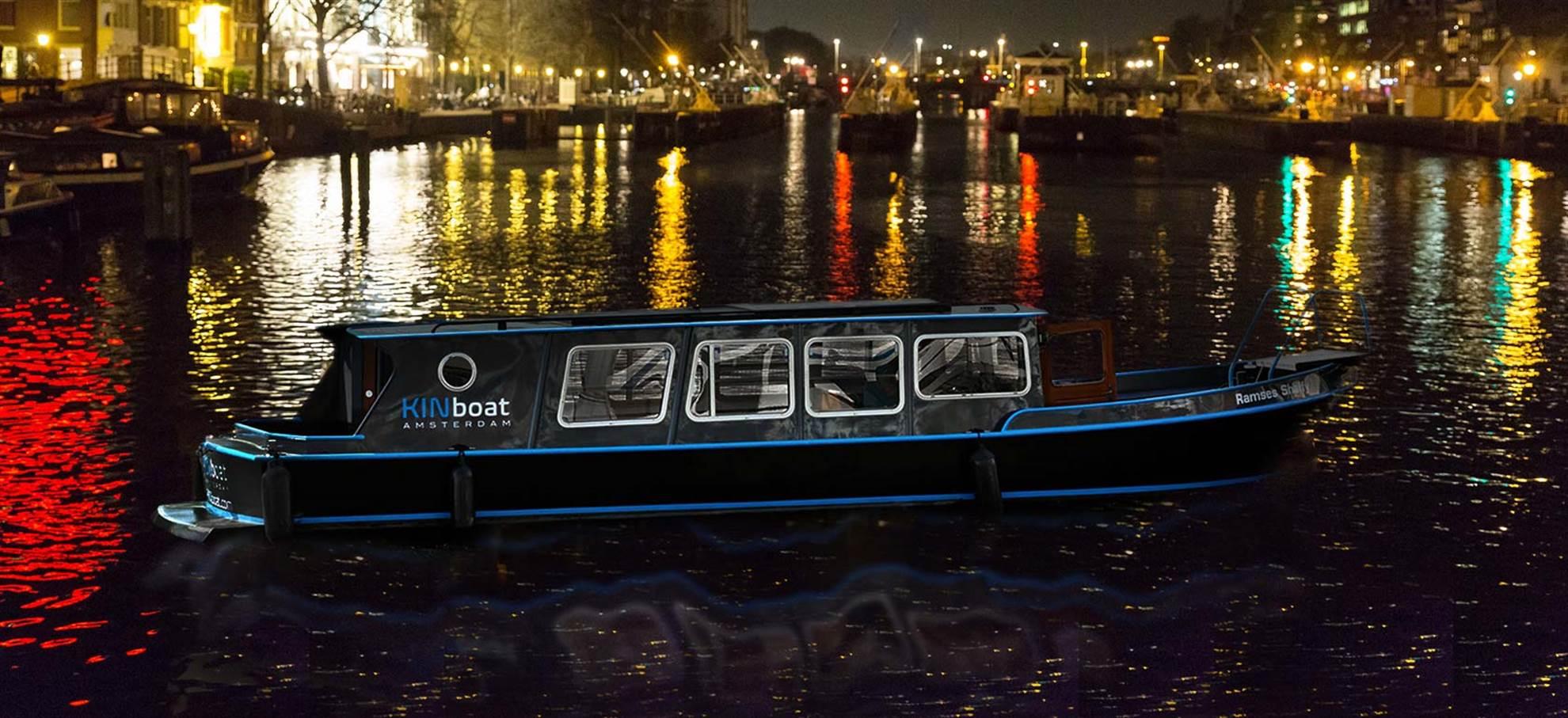 Festival da Luz em Amsterdam (pequeno barco privado)
