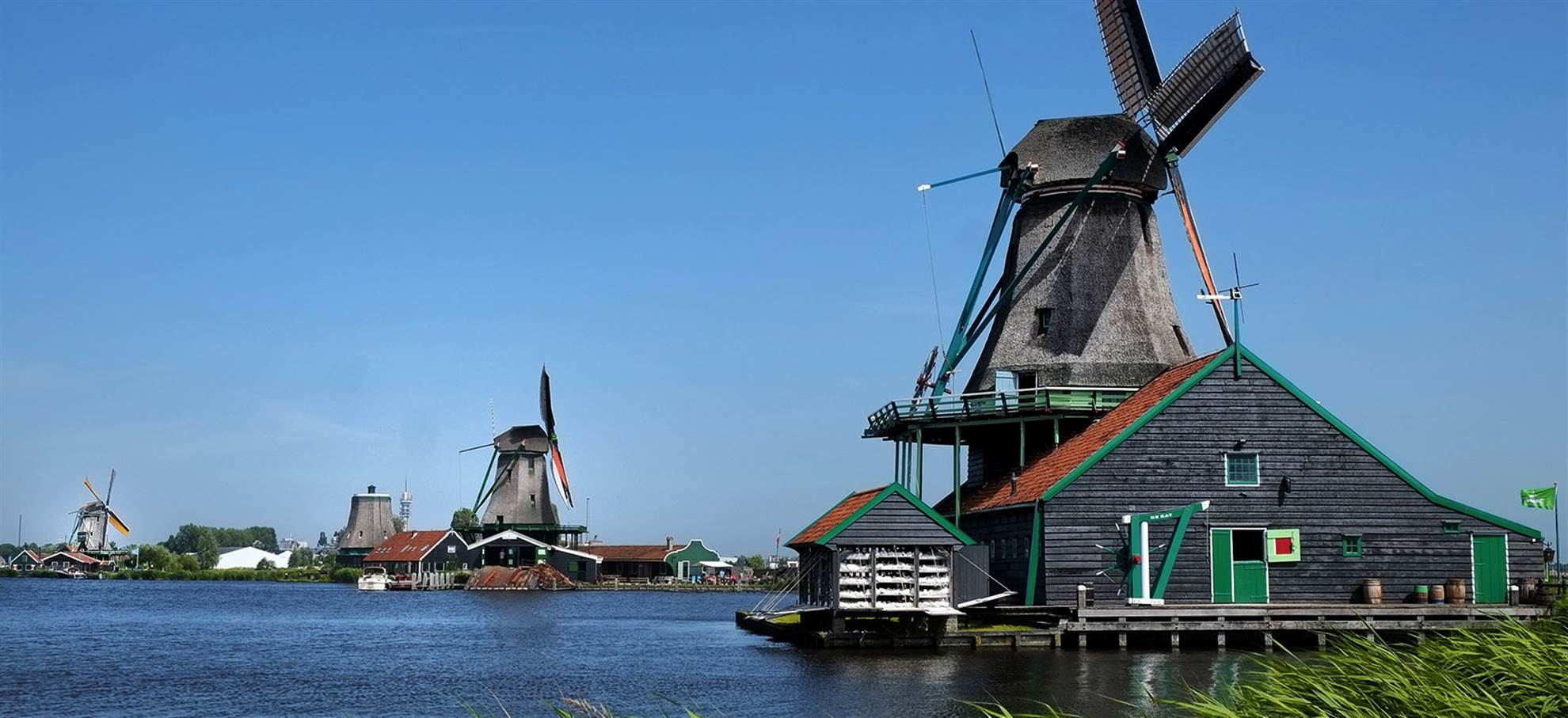 Day Trip to Keukenhof & Flowerfields, Volendam & Windmills - Small Group Tour