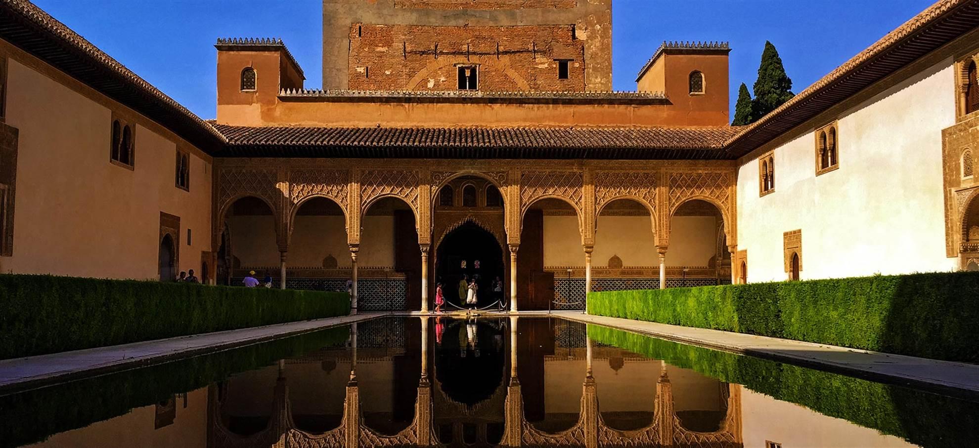 Tour com guia por Alhambra