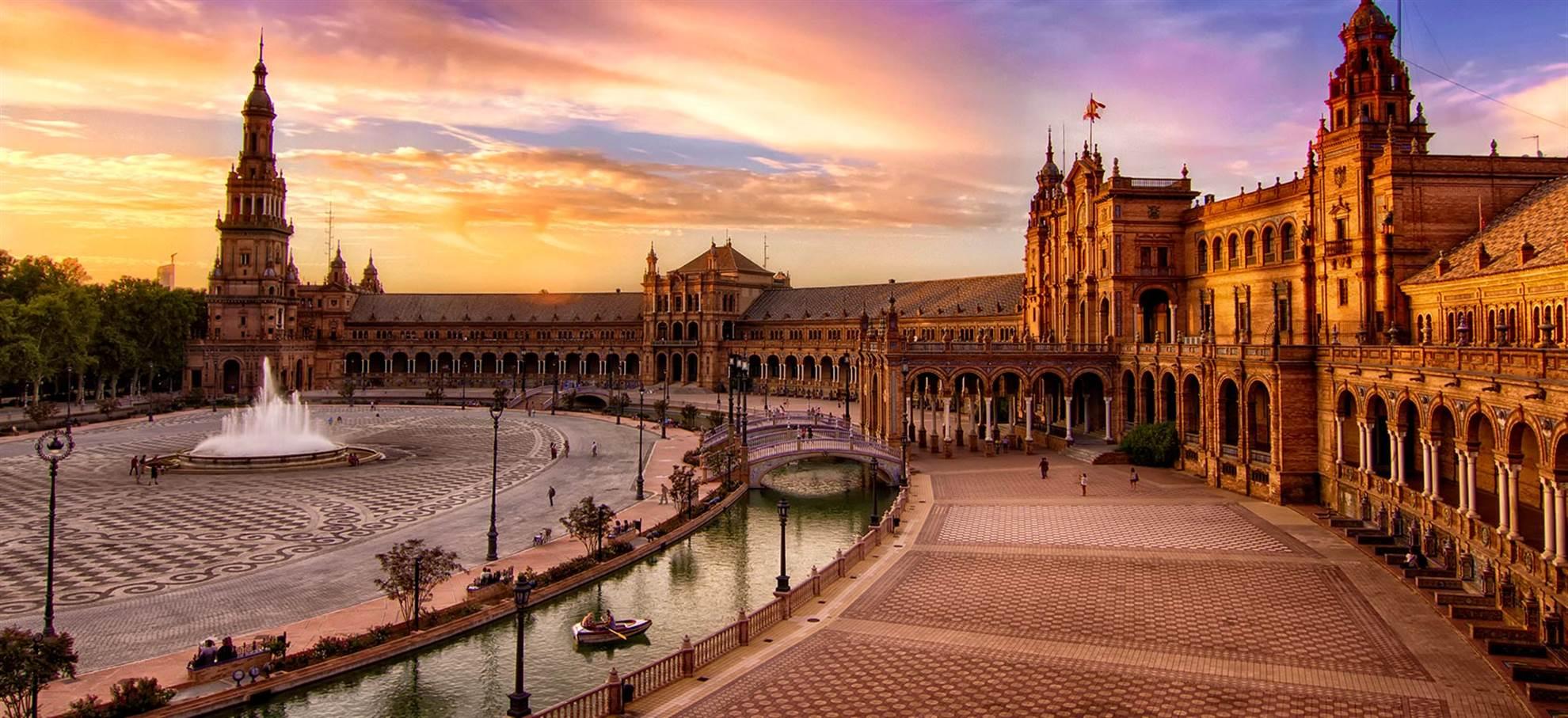 Alcazar, Kathedrale von Sevilla und Sevilla Hop-On-/Hop-Off-Bus