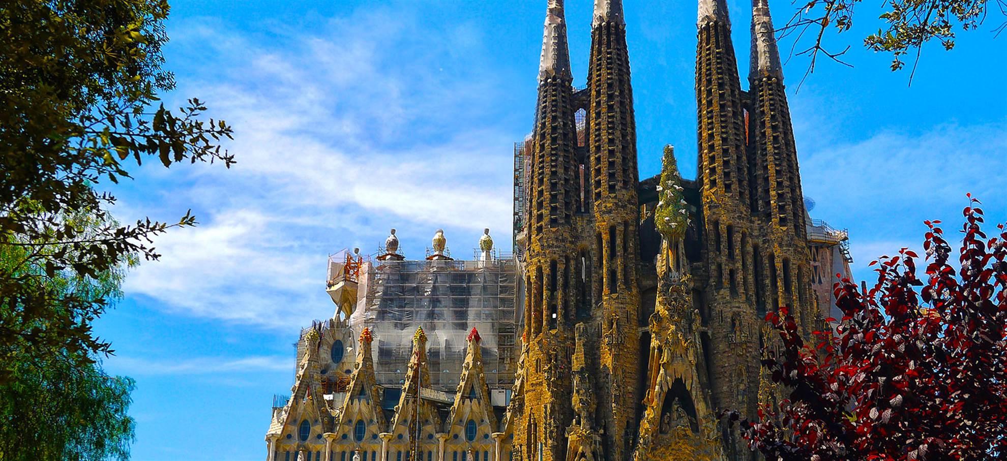 Billett til Sagrada Familia + Lydguide & Hop on Hop off Buss
