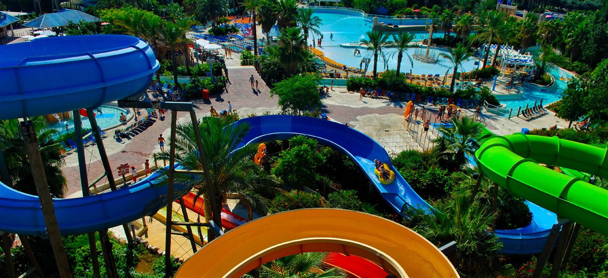 PortAventura, Ferrari Land et Caribe Aquatic Park