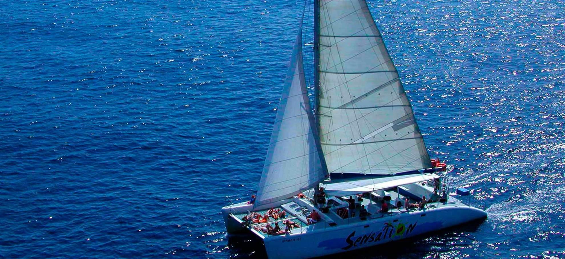 Catamaran Sensation en Barcelona