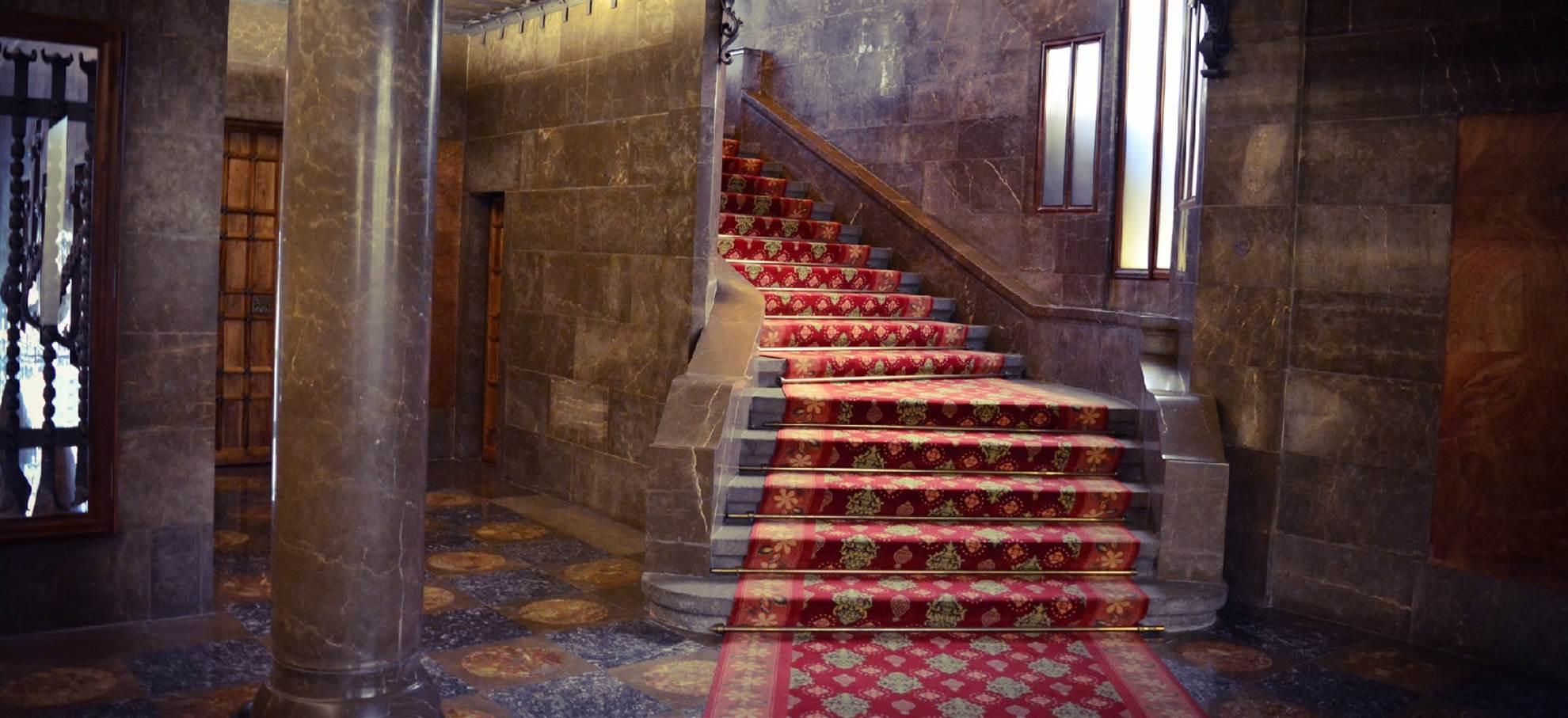 Palau Güell - Salte a fila