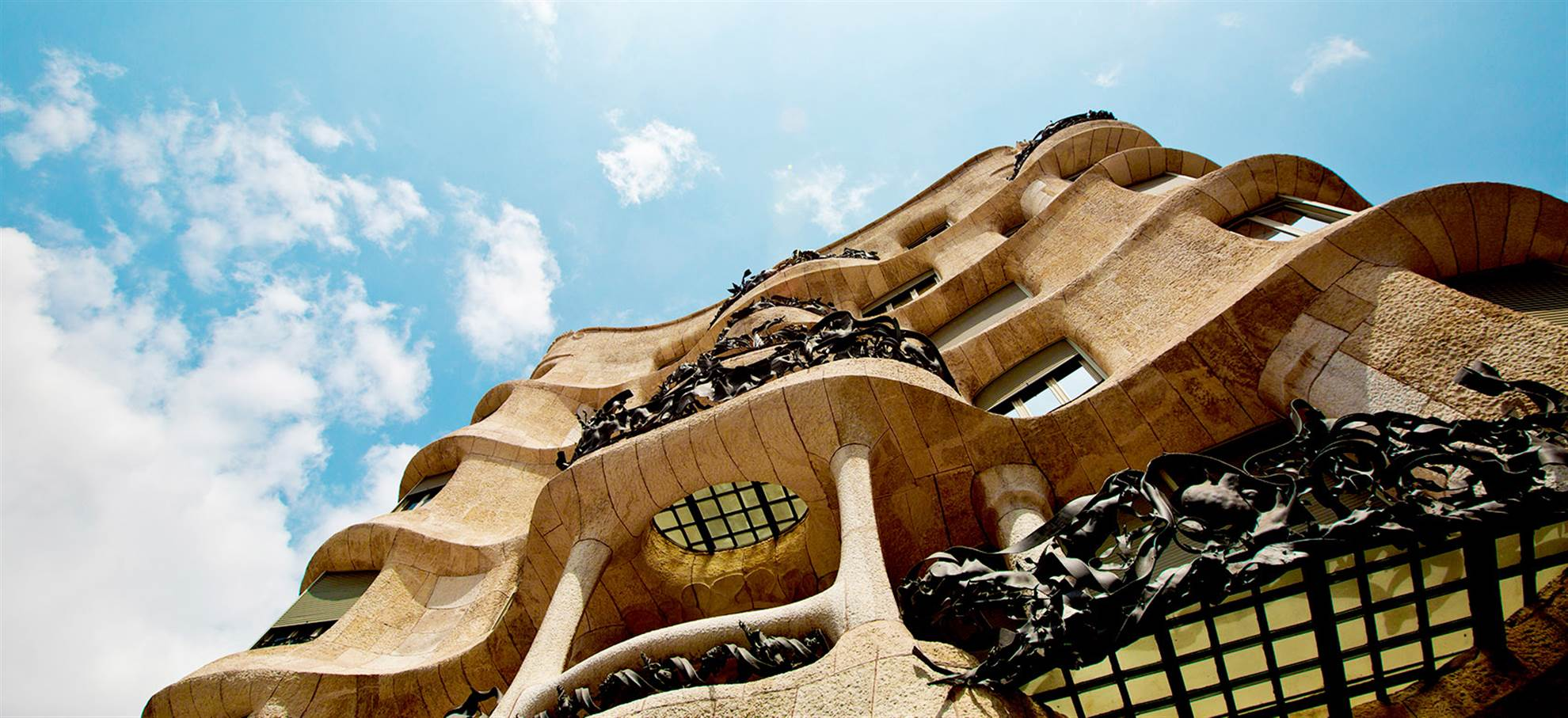 Casa Mila y Hop on Hop off Bus
