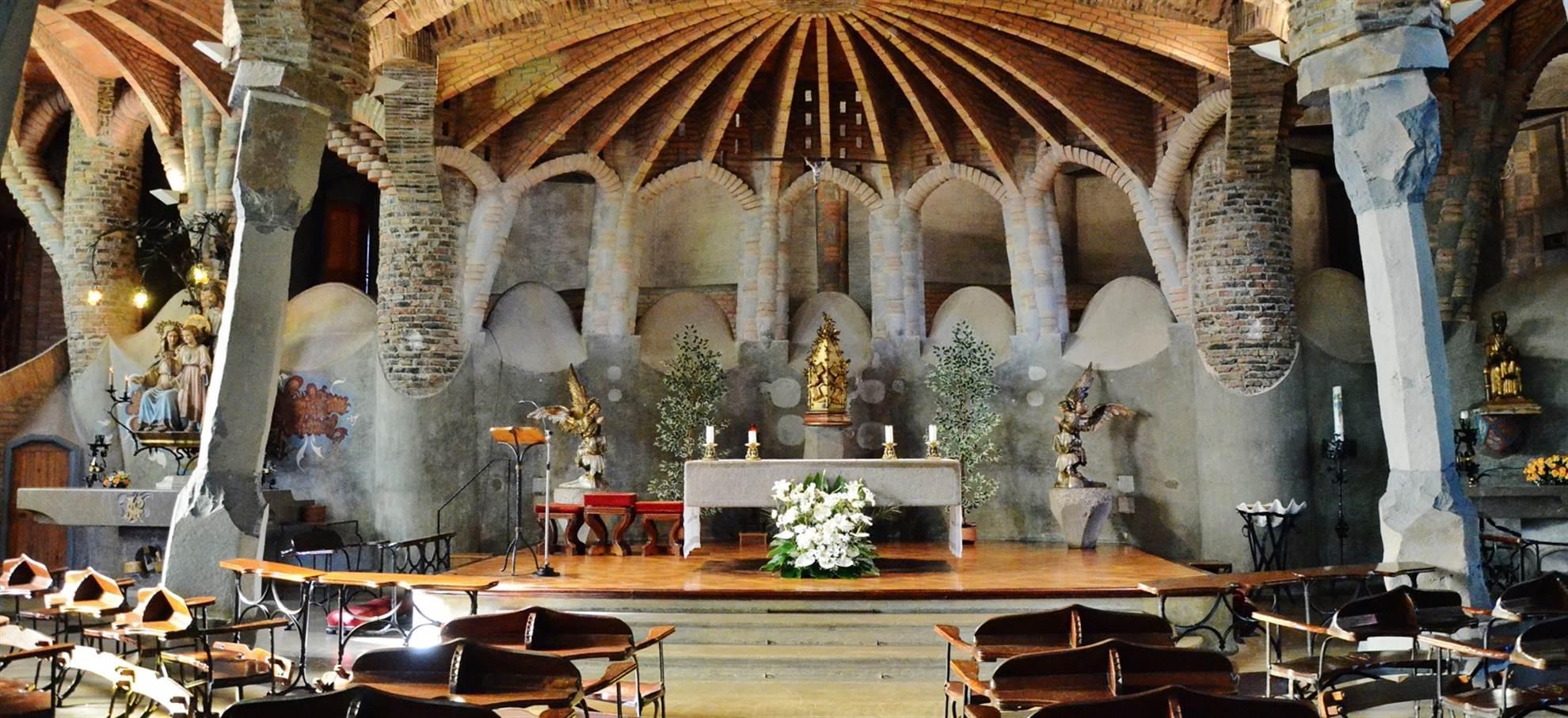 Montserrat & Gaudi's Crypte