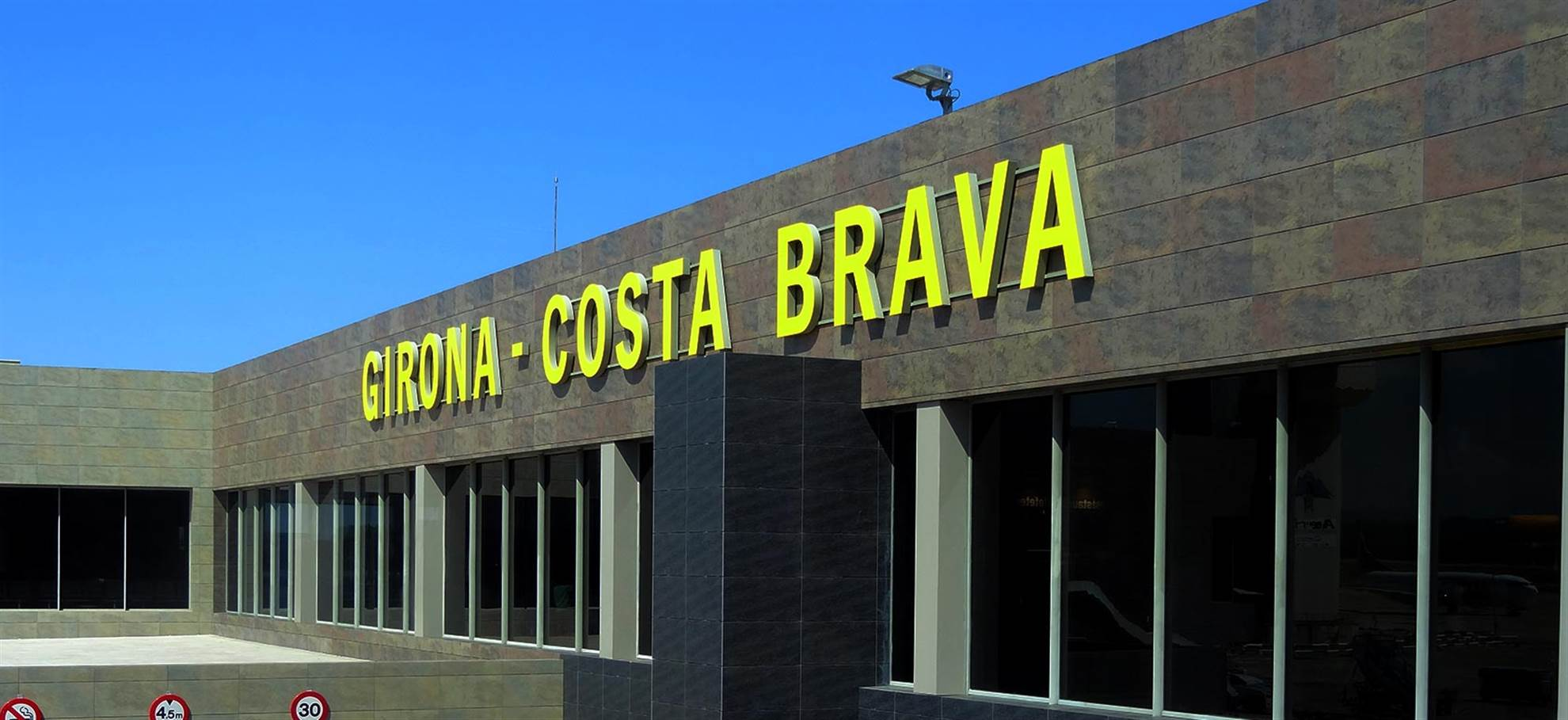 Airport Transfer Girona - Barcelona Tickets
