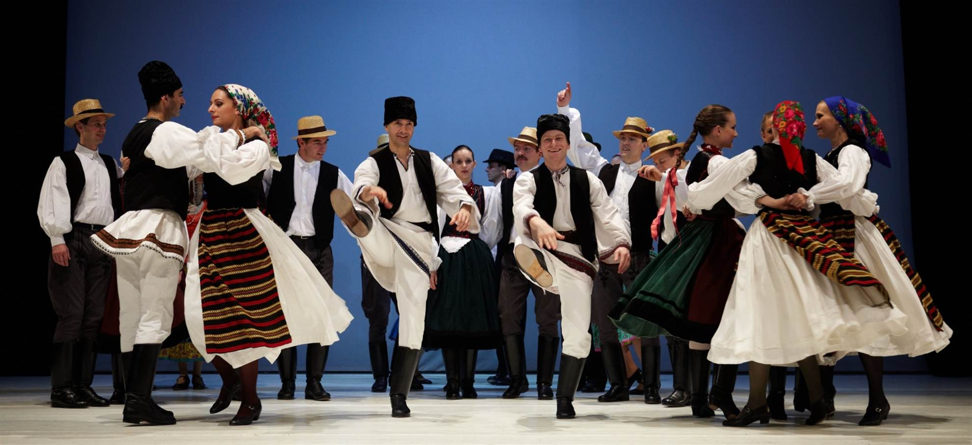 Hungarian Dance Performance in Budapest