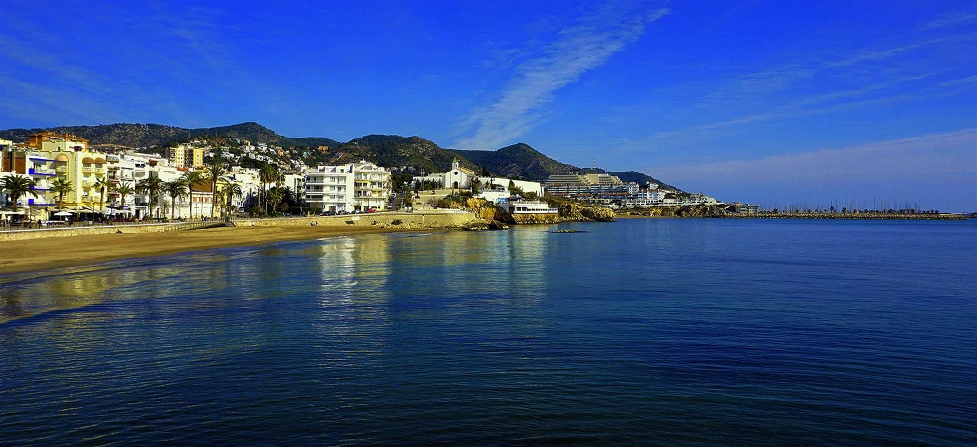Montserrat, caves à vin Torres et Sitges avec brunch