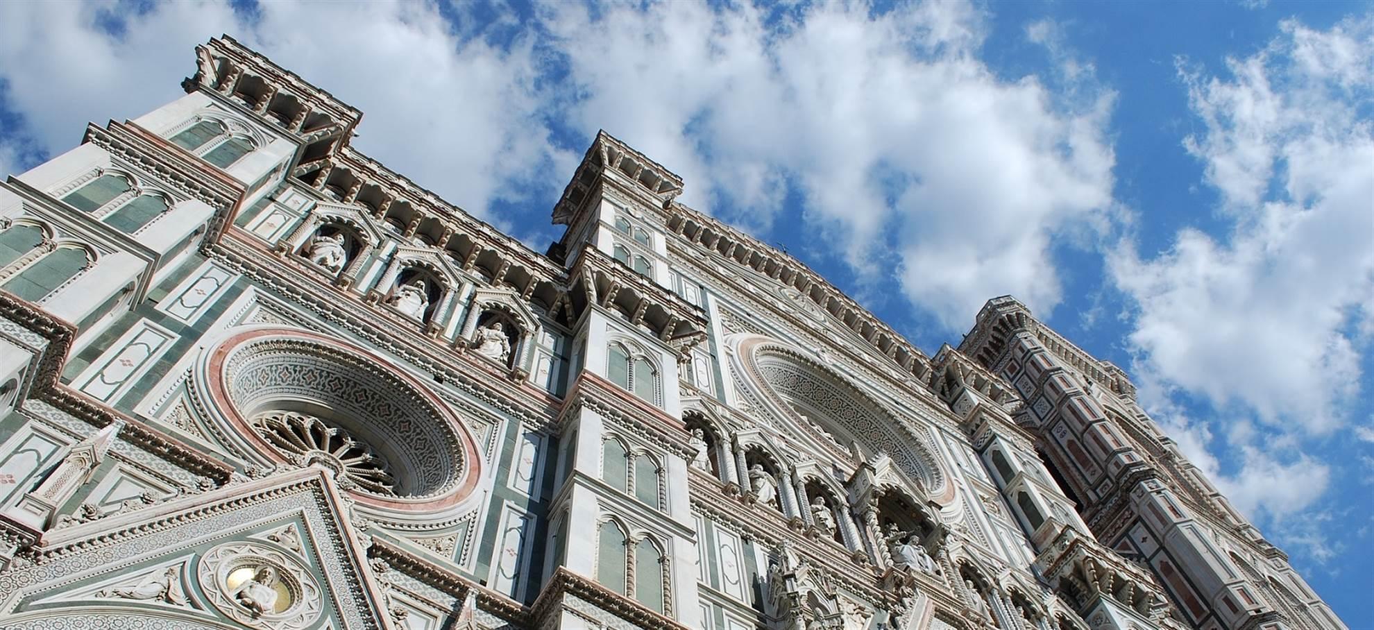 Passe da praça do Duomo