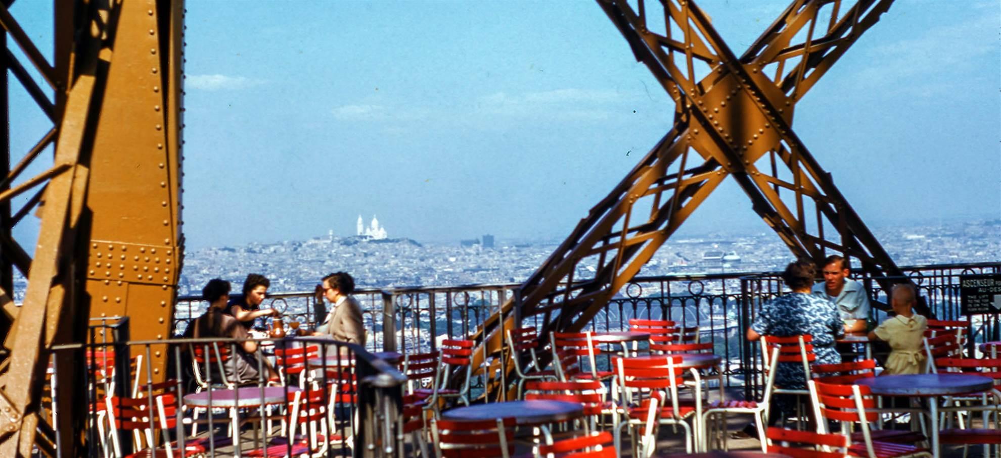 Déjeuner à la Tour Eiffel + Coupe File