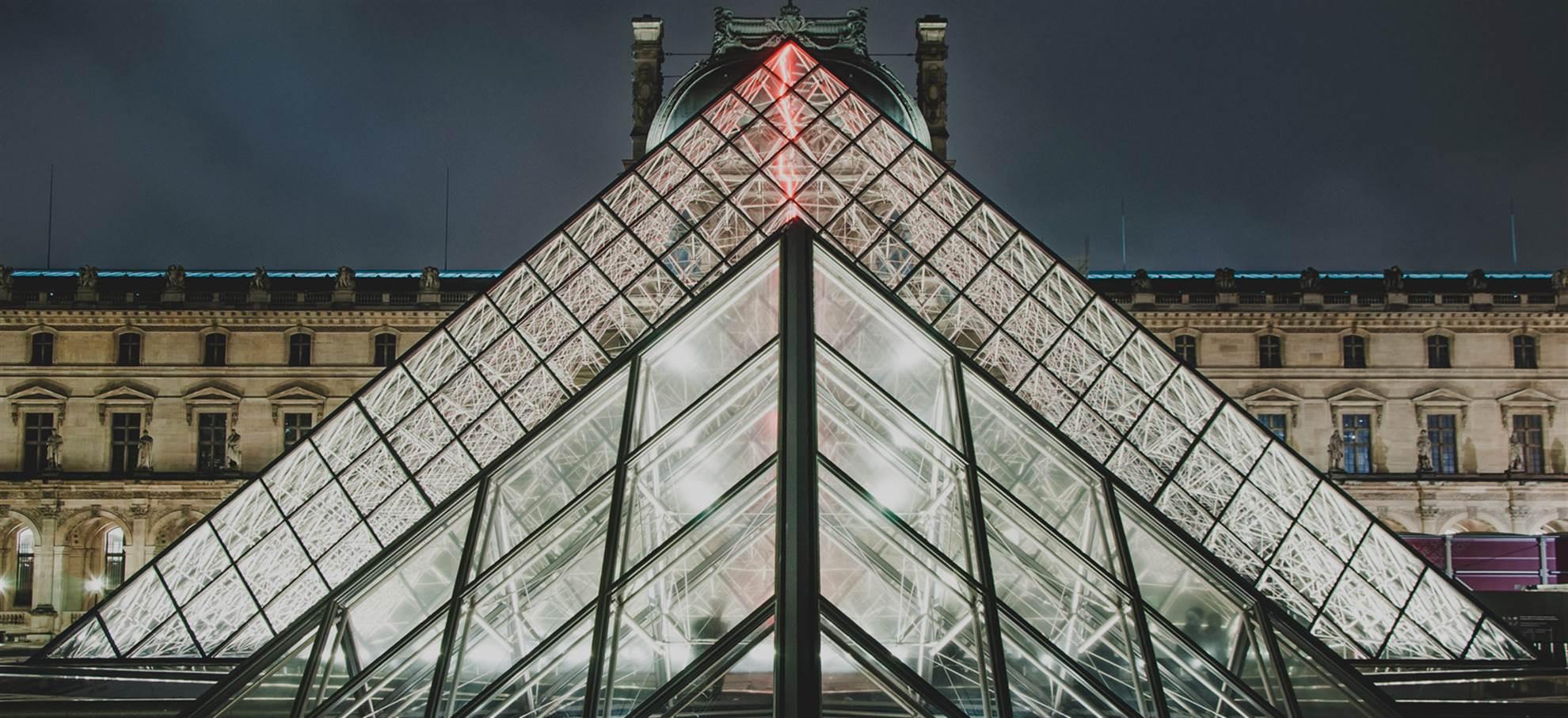 Louvren taidemuseoon joutuisasti