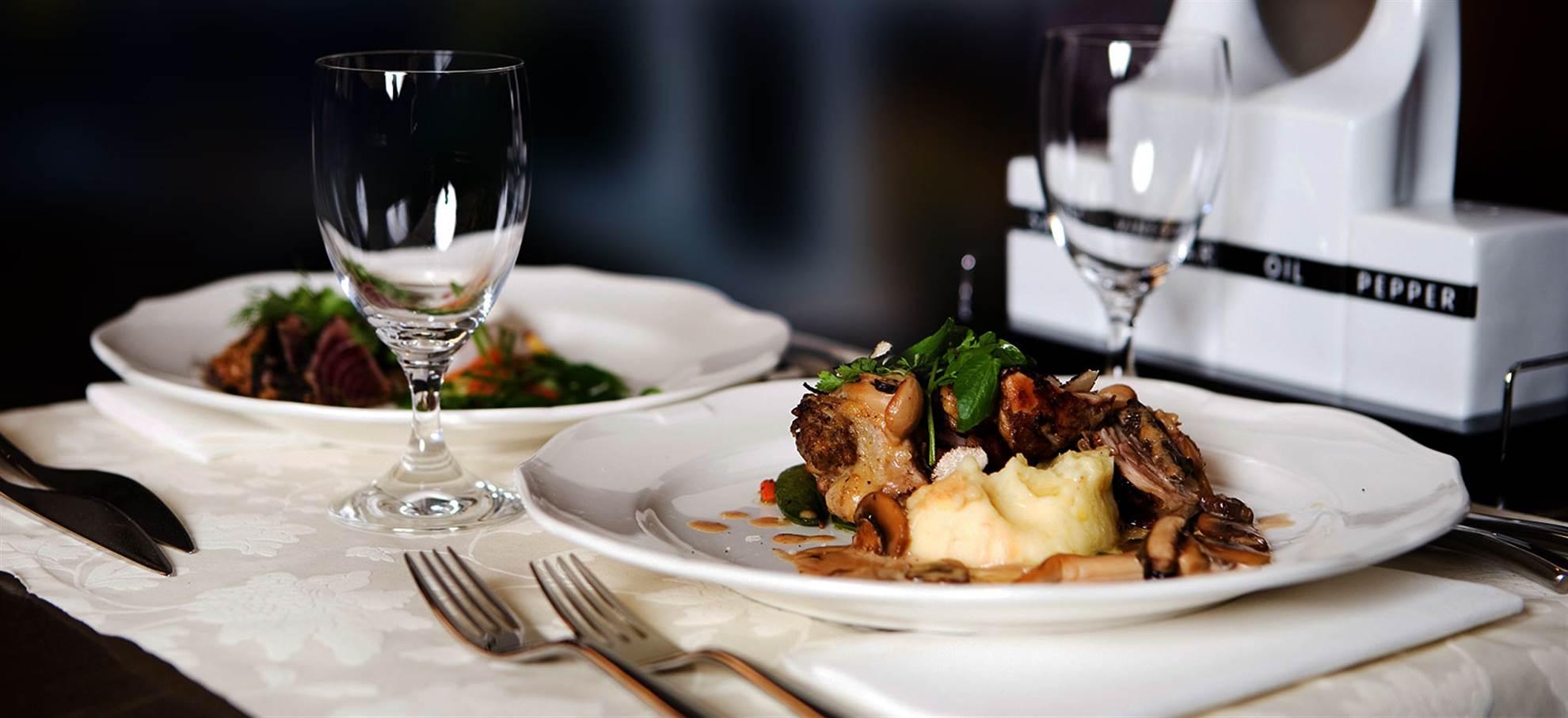Paris bistro Croisière et Déjeuner