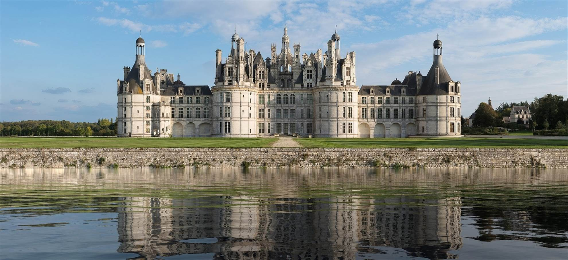 Chambord Castle + Visit of French gardens: Skip the line tickets