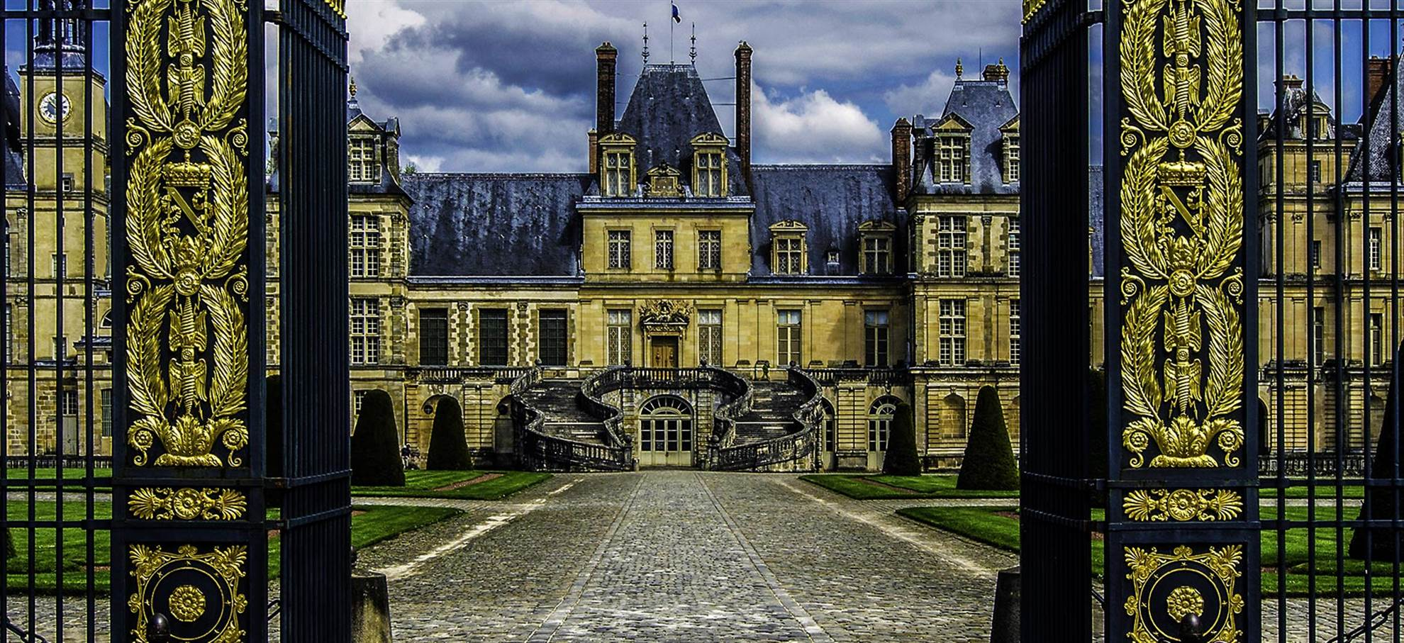 Day Trip to Fontainebleau & Vaux le Vicomte