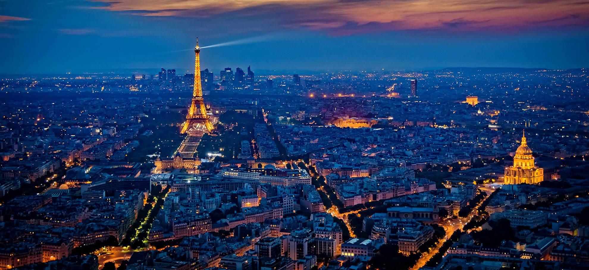 Paris Illuminations in a open top bus