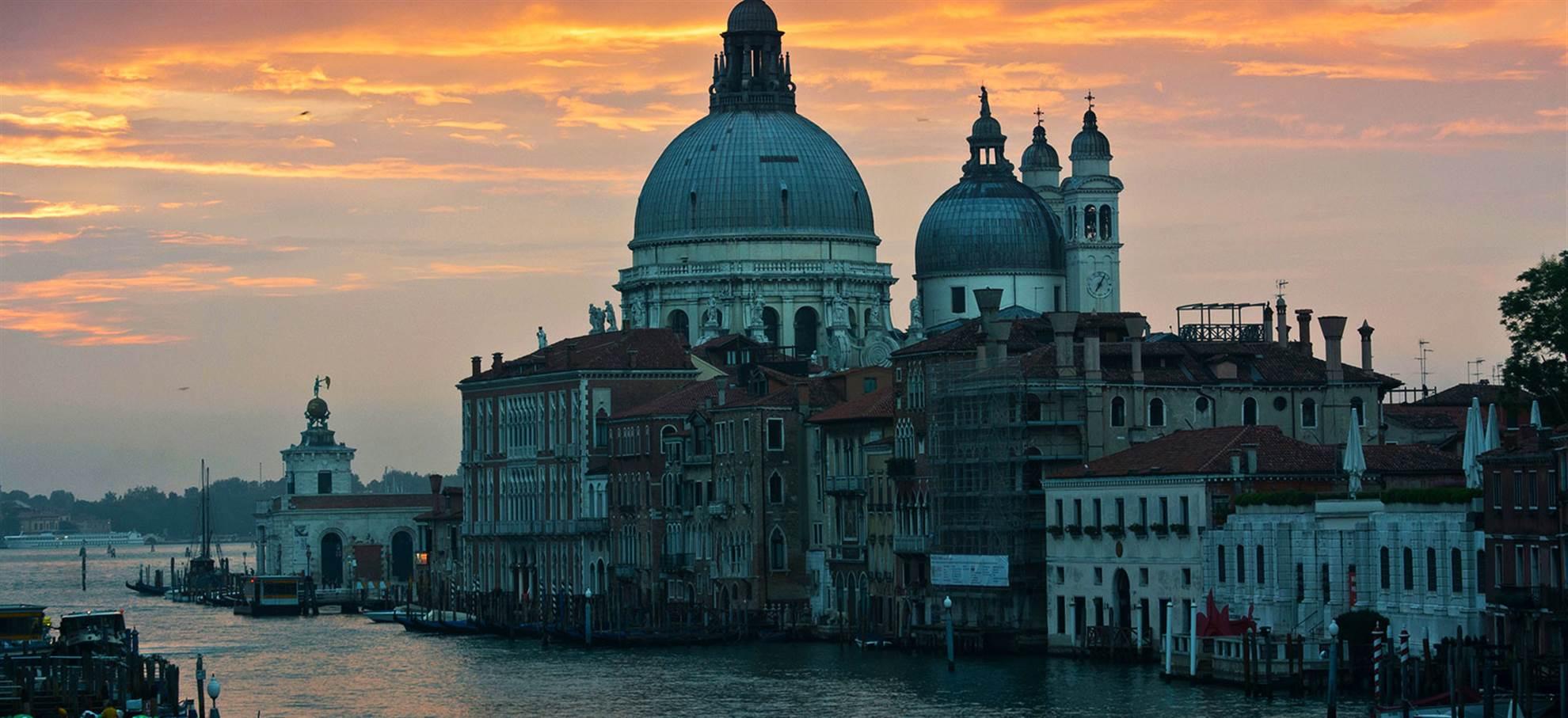 Une journée à Venise (code T18 FD)