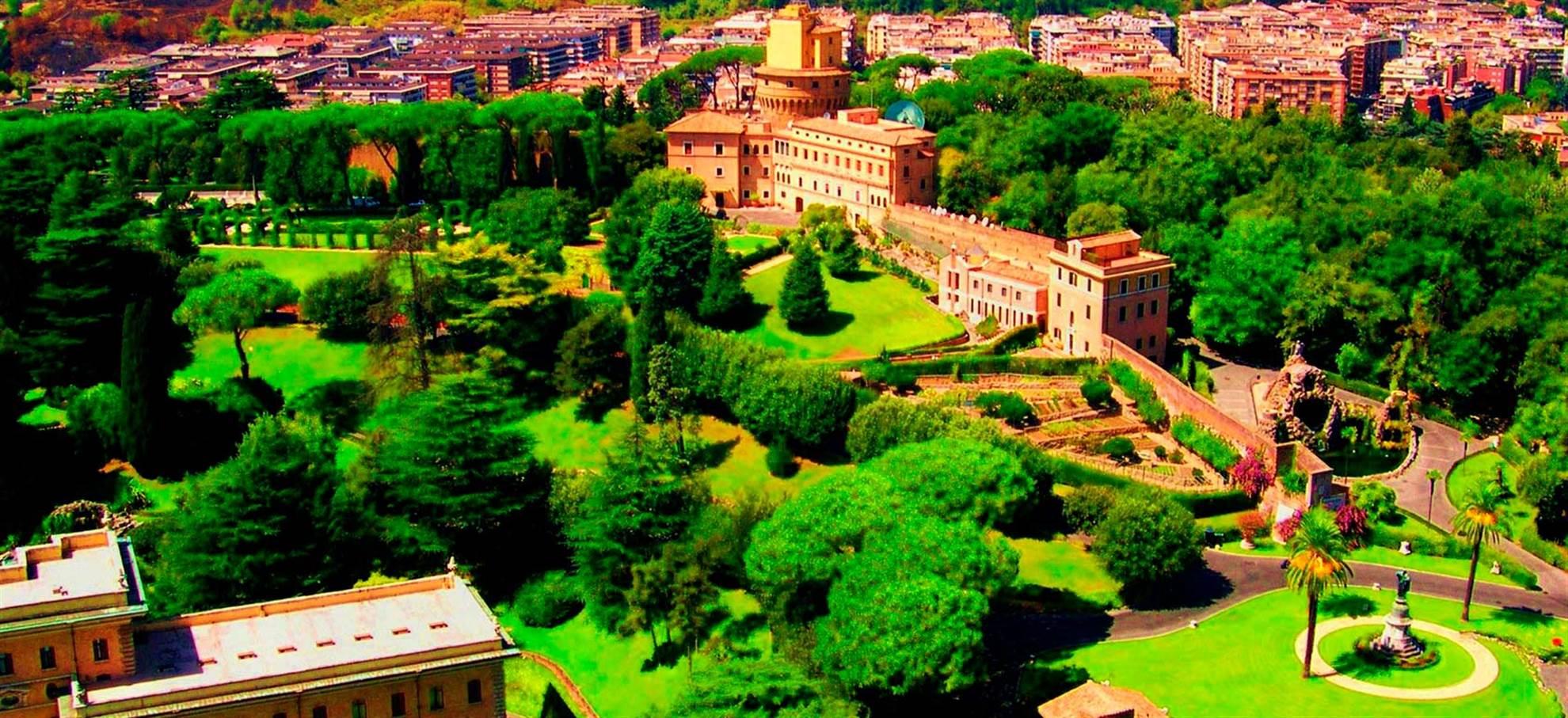 Les jardins du Vatican en mini bus ouvert