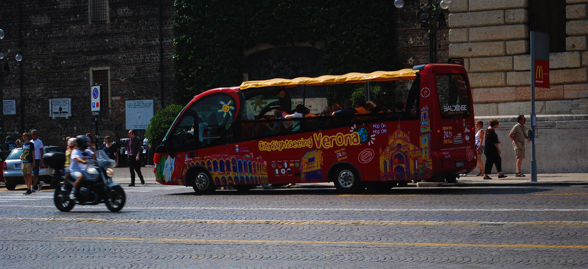 Verona Hop-On Hop-Off Bus