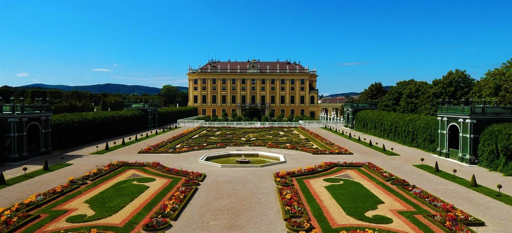 City Tour with Schönbrunn