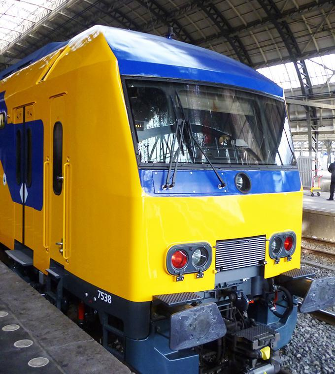Train from the Hague-Rotterdam airport to Amsterdam Central