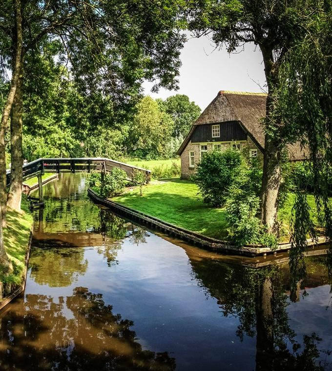 Full Day Trip to Giethoorn (Small Group Tour)