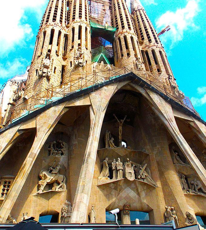 La Sagrada Familia Guided Tour, Skip the line!