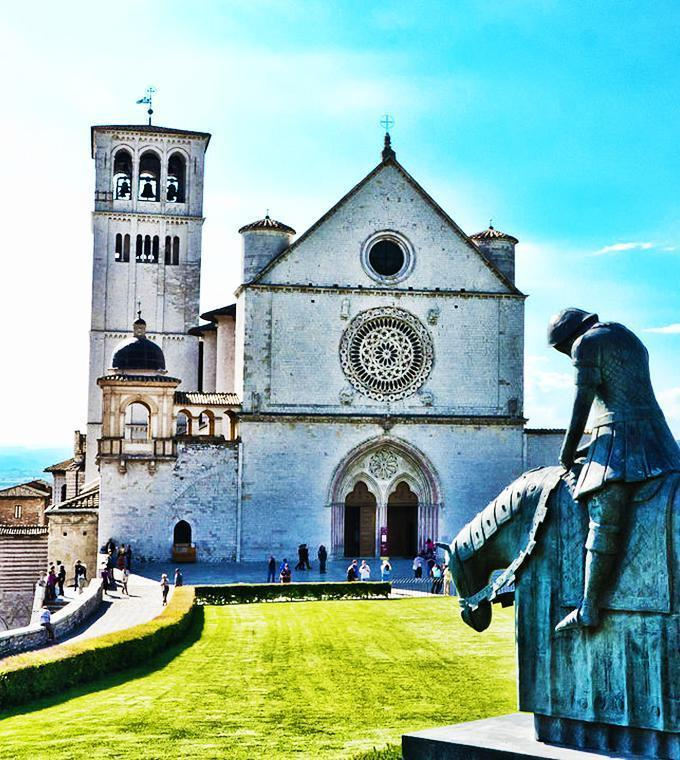 Assisi & St. Franciscus Basiliek (Code T15 FD)