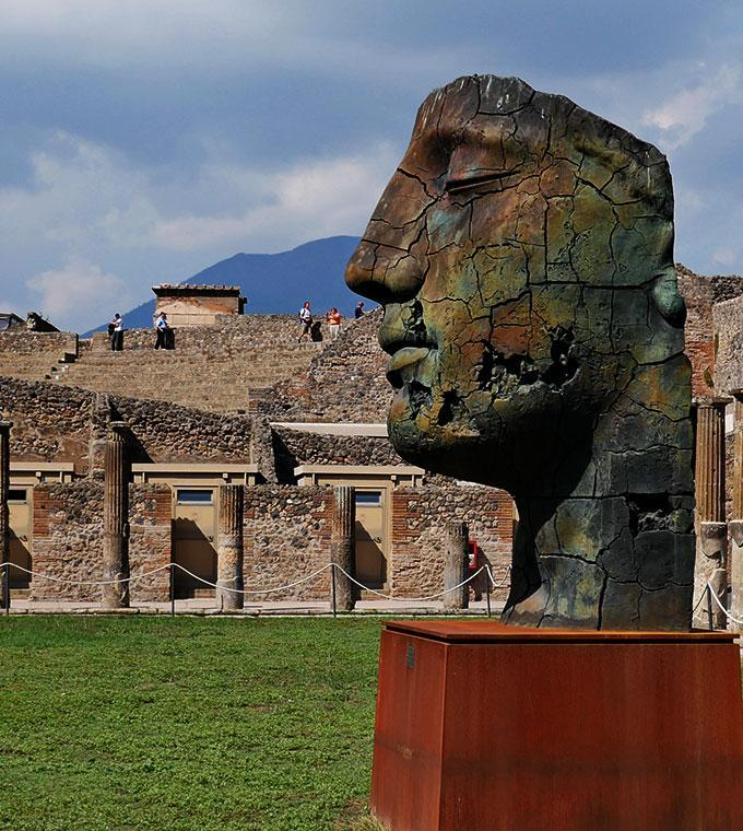 Pompeii and its Ruins (Code T13 AM)
