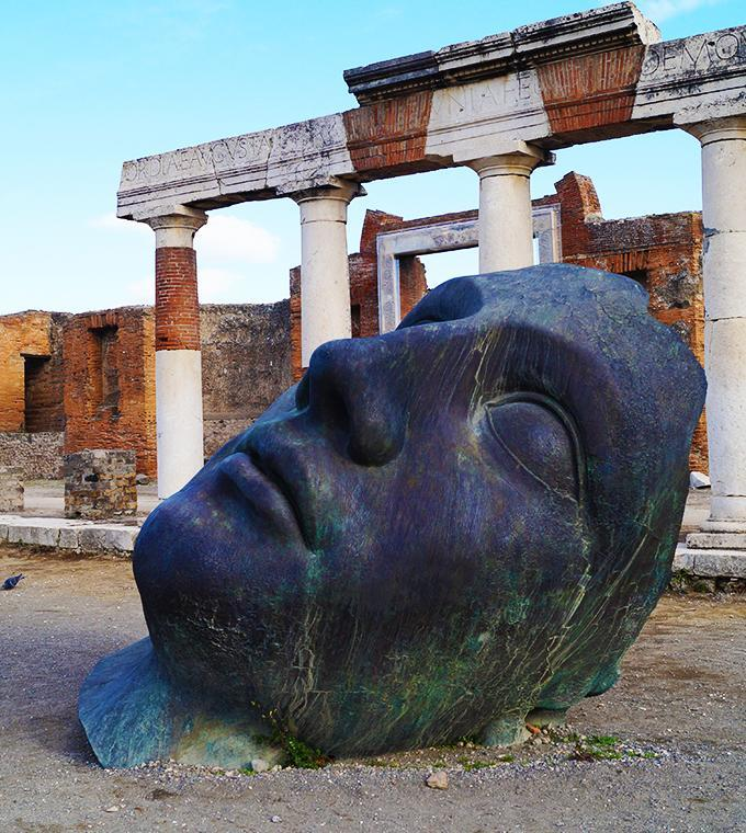 Visit Pompeii with or without Train from Rome
