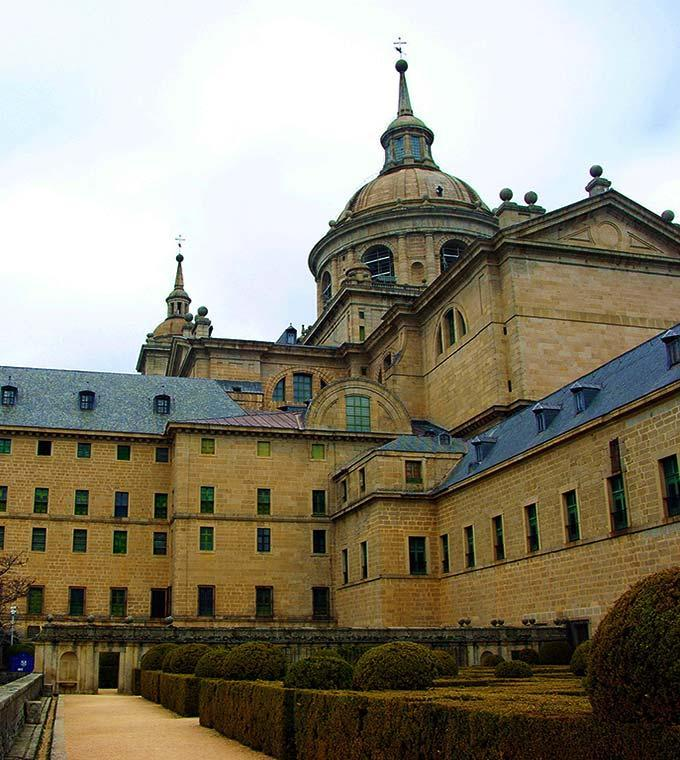 Escorial & Basilica Valley of the Fallen(MADESCOR)