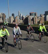 NYC 3 districts day tour (bike+sailing)