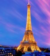 Het 'verlichte' Parijs vanaf een bus met open dak