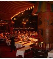 Cena con espectaculo en el Moulin Rouge